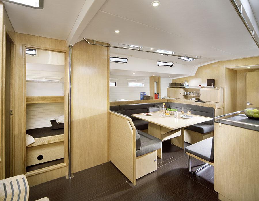 intérieur Bavaria Cruiser 55