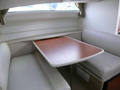 interno Bayliner 285