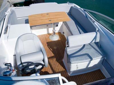 location bateau Flyer 750
