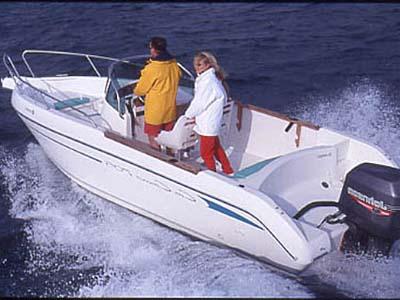location bateau Cap Camarat 705