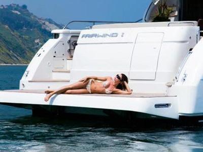 location bateau Dominator 68