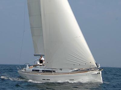 location bateau Dufour 445