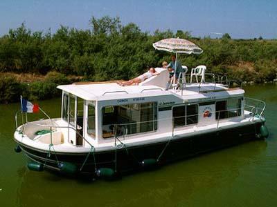 location bateau Eau Claire 930 Fly