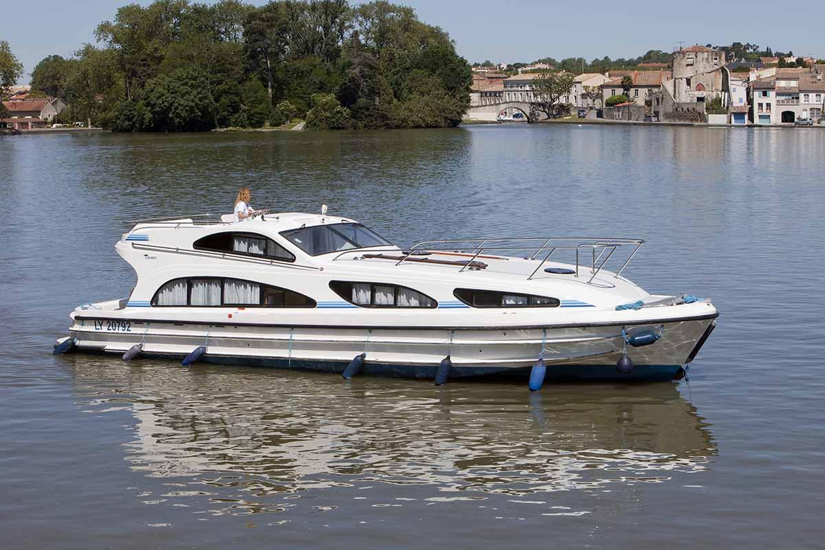 location bateau Elegance