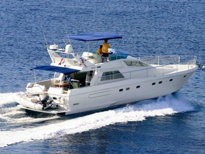 location bateau Ferretti 52