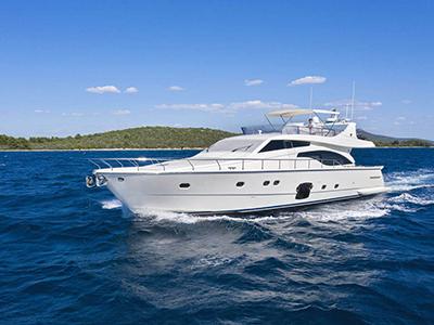 location bateau Ferretti 681