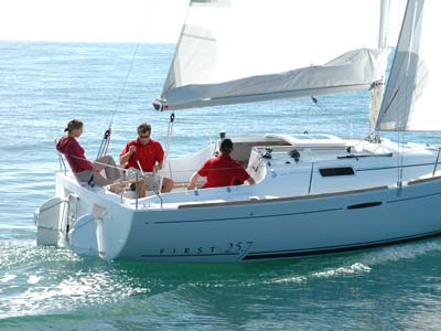 location bateau First 25.7 QR
