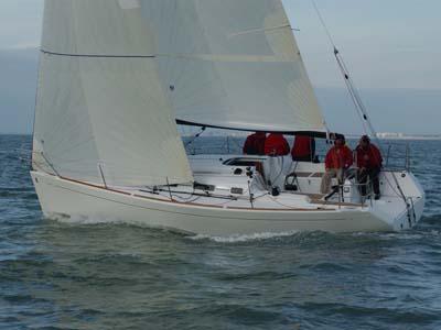 location bateau First 34.7