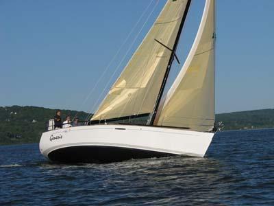 location bateau First 36.7
