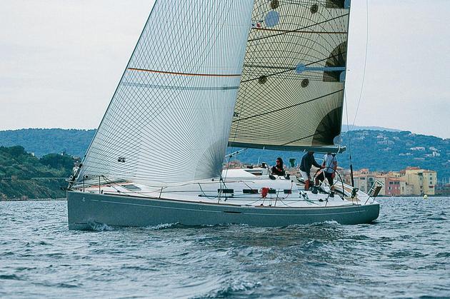 location bateau First 40.7