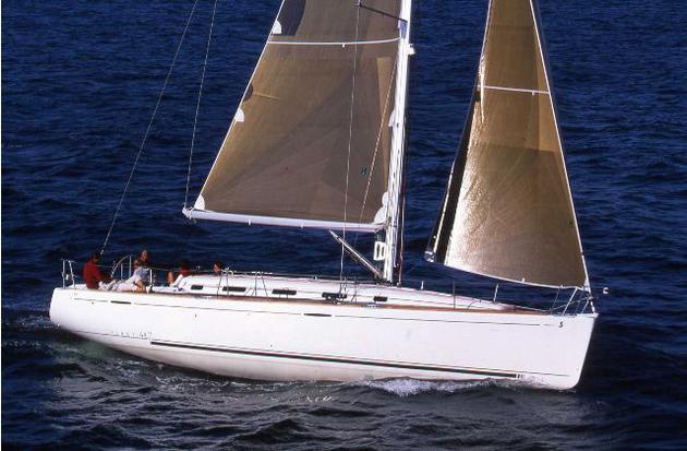 location bateau First 44.7