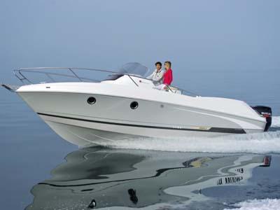 location bateau Flyer 850 Sun Deck