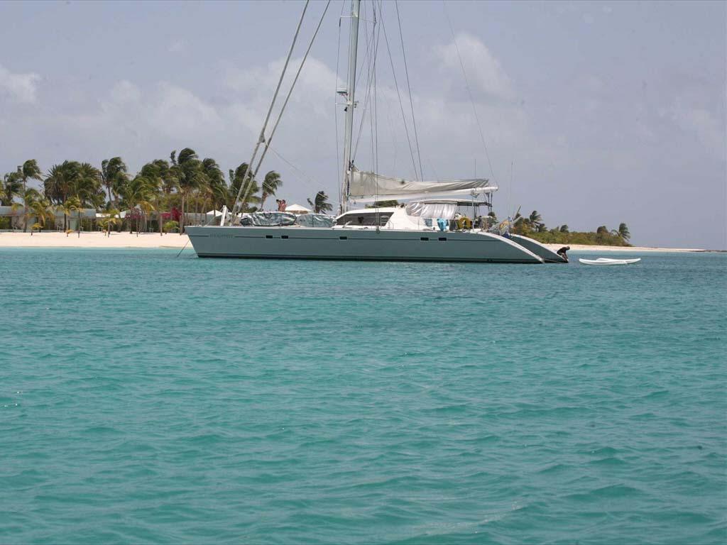 location bateau Lagoon 67