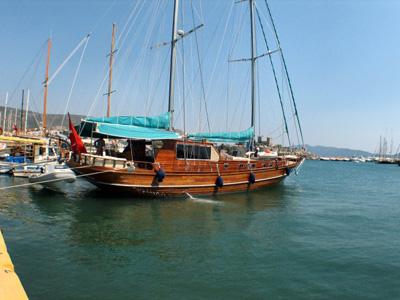 location bateau Martika