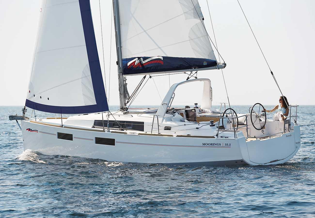 location bateau Moorings Oceanis 35