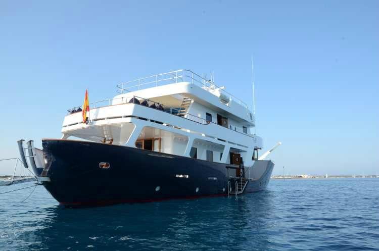 location bateau Navetta