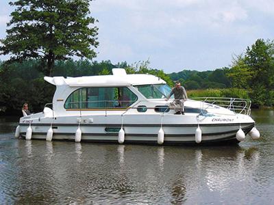 location bateau Sedan 1000