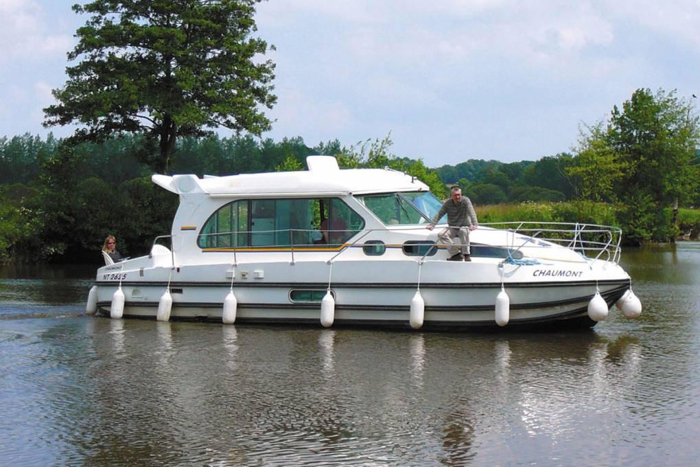 location bateau Sedan 1010