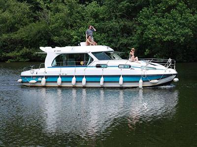 location bateau Sedan 1170