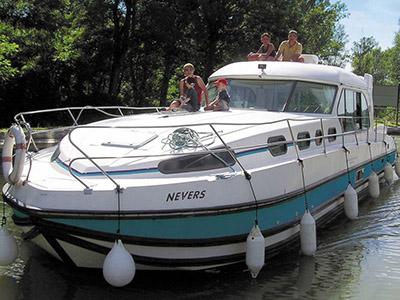 location bateau Sedan 1310
