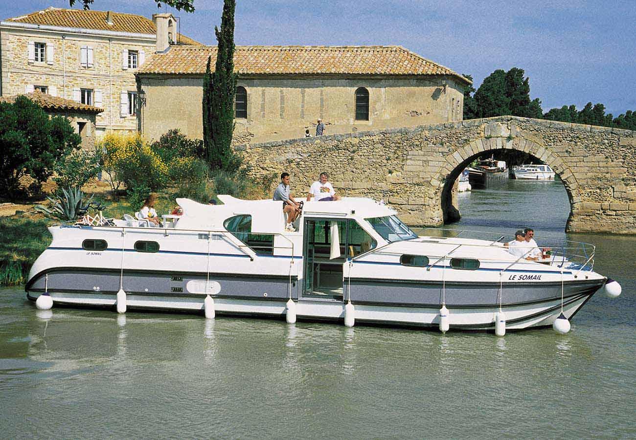 location bateau Confort 1350