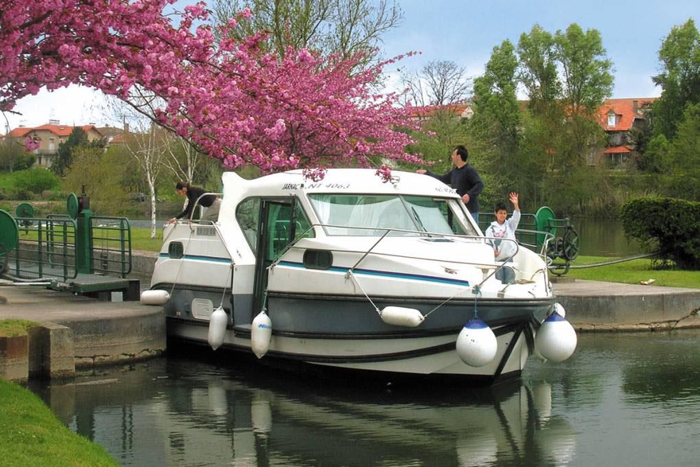 location bateau Confort 900