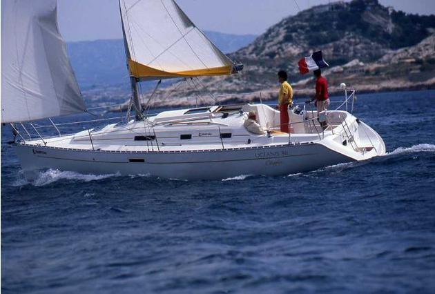 esterno Oceanis 311 Clipper