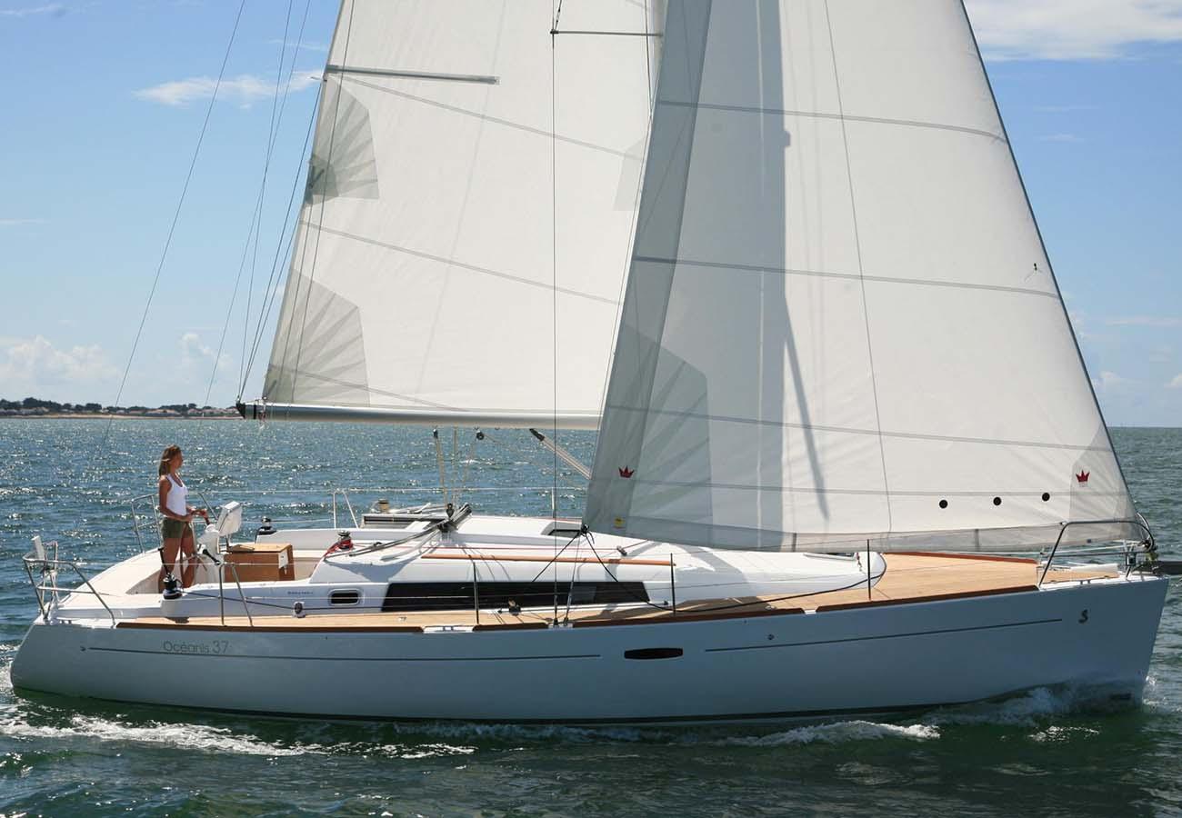 location bateau Oceanis 37
