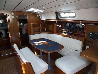 inside Oceanis 461