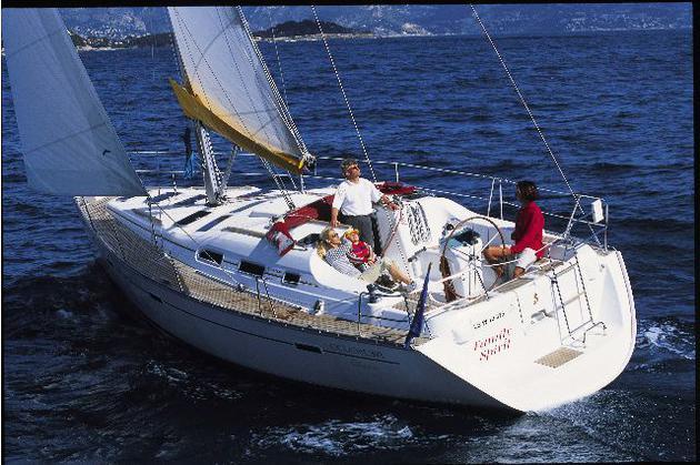esterno Oceanis Clipper 393